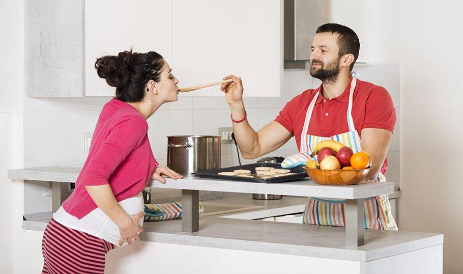 Еда при беременности на ранних сроках и позже