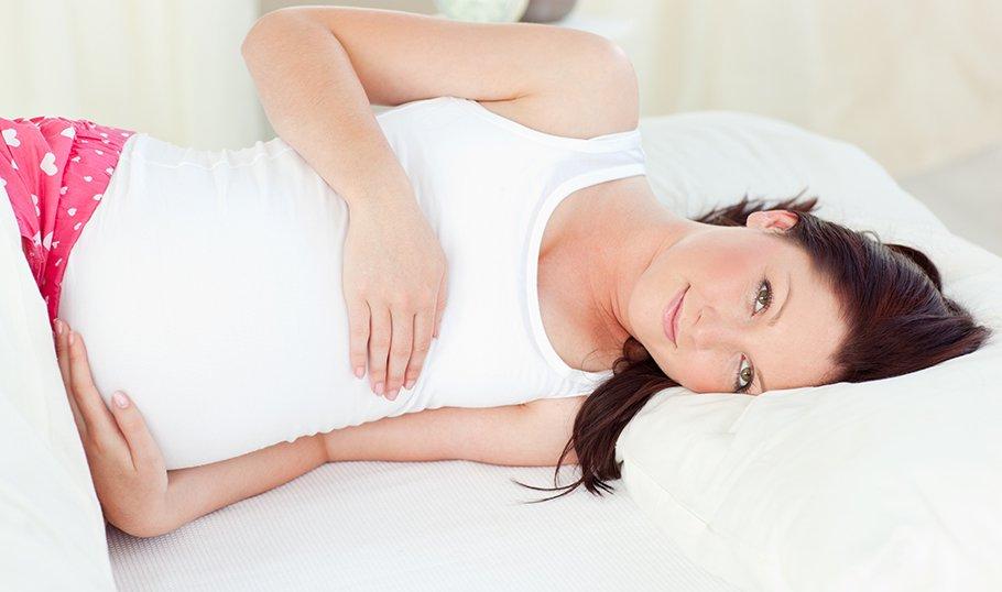 Какой срок беременности самый опасный для выкидыша. Опасные периоды беременности