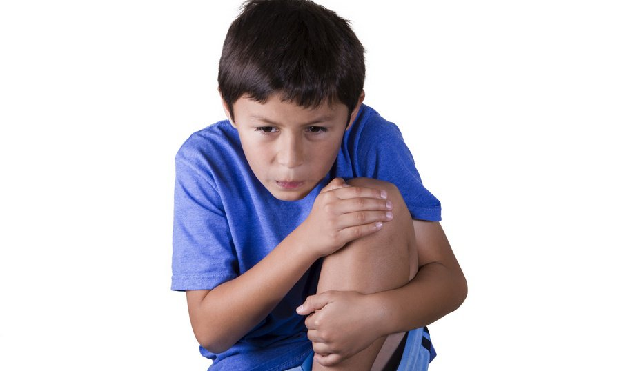 У ребенка болят колени
