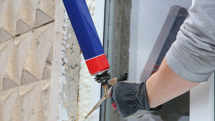 Как очистить монтажную пену с дверей в домашних условиях