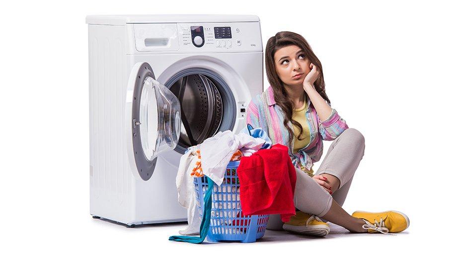 Как вывести полинявшие пятна с одежды: полезные советы