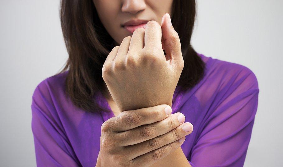 Во время беременности болят суставы на руках травмы сустав